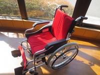 310226 松陵中 車椅子寄附.jpg